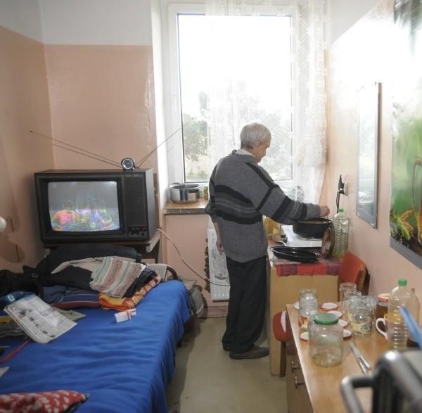 W miniony weekend do noclegowni przy ul. Popiełuszki straż miejska przywiozła 11 bezdomnych.