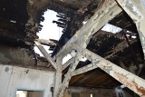 """""""Cicha kobieta"""" po pożarze dachu. """"Straty są duże, ale nie ogromne"""". Czy lokal będzie działał? [ZDJĘCIA, WIDEO]"""