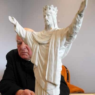 Stary projekt pomnika Chrystusa Króla nawiązywał do znanej figury z Rio de Janeiro. W nowej wersji zmieni się ułożenie szat