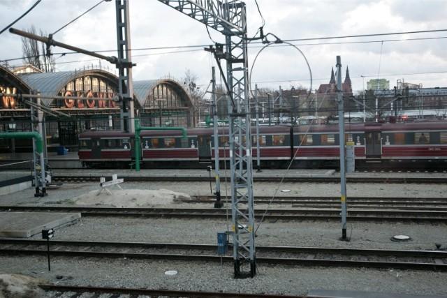 Pociągi na Dworcu Głównym były opóźnione nawet ponad godzinę