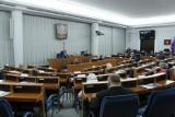 Koronawirus w Senacie. Zakażeni są Jan Filip Libicki, Artur Dunin i Ryszard Bober. Odwołano posiedzenia Sejmu i Senatu