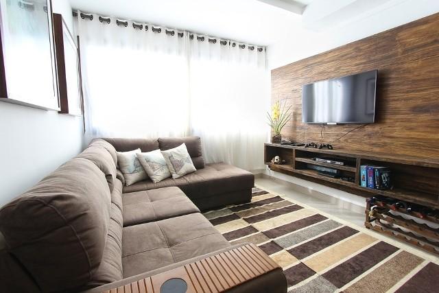 Sprzęt RTV, jak wszystkie inne sprzęty w domu, należy czyścić regularnie. Trzeba jednak wiedzieć, jak to robić, aby telewizora czy komputera nie uszkodzić.