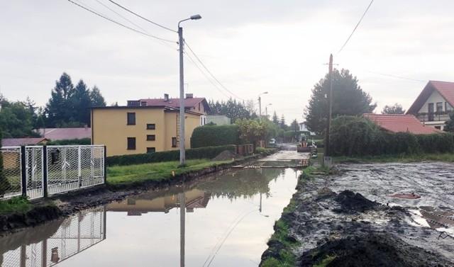 Mieszkańcy remontowanej ul. Długosza w Jastrzębiu czują się odcięci od świata.