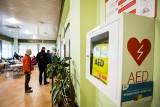 Mała rzecz, która może uratować życie. W Bydgoszczy mamy 92 defibrylatory AED