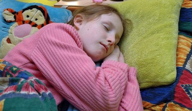 Przez najbliższy tydzień po zmianie czasu na letni możemy w dzień odczuwać duże niedobory snu.