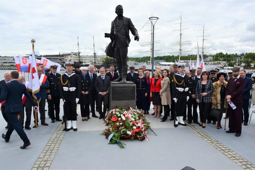 Legendarny budowniczy gdyńskiego portu w końcu doczekał się pomnika w Gdyni. Miasto uhonorowało Tadeusza Wendę