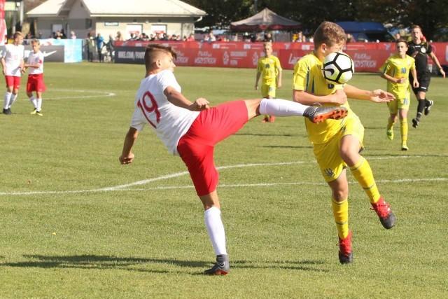 Rosły Marcel Szymański dobrą grę okrasił akcją, po której strzelił bramkę na 4:0.