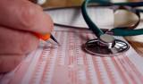 Od soboty papierowe zwolnienia lekarskie znikają? Nie do końca. Oto wszystko, co trzeba wiedzieć o e-zwolnieniach