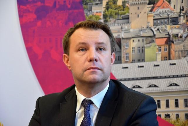 Arkadiusz Wiśniewski, prezydent Opola, może mieć obniżoną pensję. To zależy od głosowania radnych.