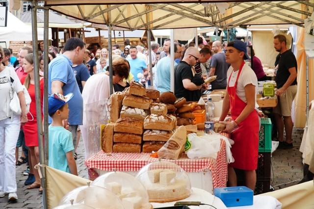 Festiwal Dobrego Smaku odbywał się w Poznaniu w dniach 15-18 sierpnia. W tym czasie sanepid przeprowadził kontrole stoisk, które oferowały posiłki gastronomiczne i sprzedawały artykuły spożywcze. Wystawionych zostało pięć mandatów.