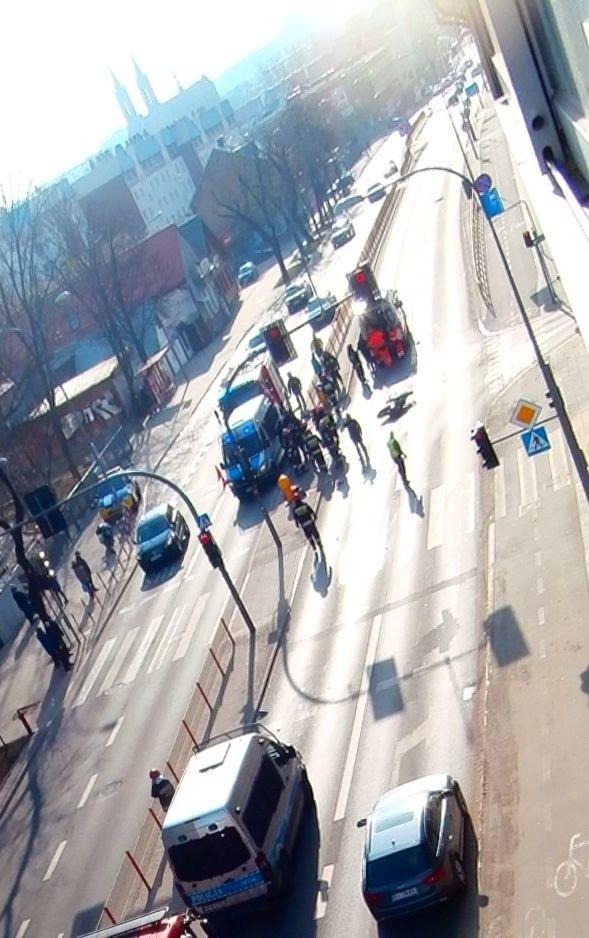 Do wypadku doszło w niedzielę przed godz. 14. Na ul....