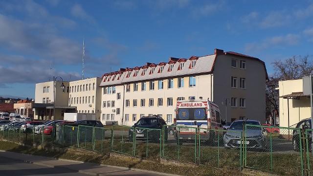 - Coraz więcej pacjentów trafia pod respiratory, wykorzystywane są niemal cały czas - mówi Marzanna Ossowska, dyrektor szpitala w Chełmnie