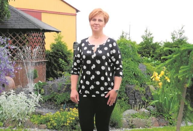 """Krystyna Łagoda z Czarkówki Małej startowała w plebiscycie """"Rolnik roku"""" dwa lata temu. Już wówczas zwróciliśmy uwagę na ładnie zagospodarowane obejście"""