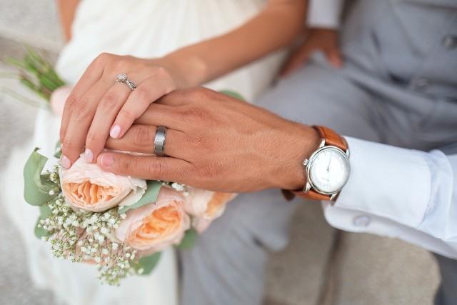 Czy po ślubie coś się zmienia w związku? Zapewne wiele rzeczy i sytuacje nie będą takie jak wcześniej. Warto wiedzieć, na co się przygotować!