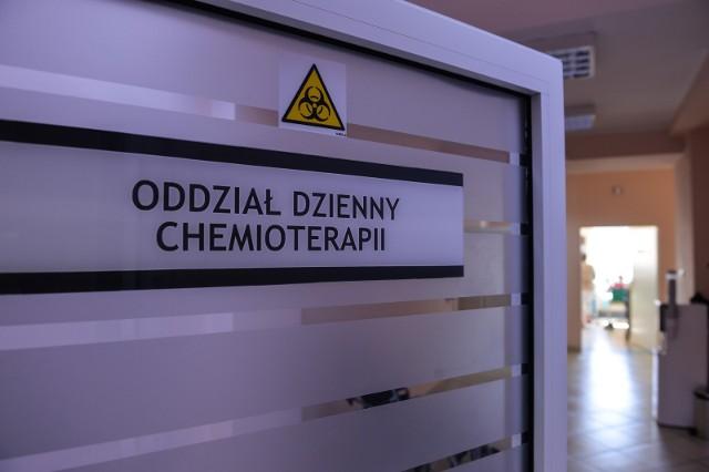 – Ostatni rok był niezwykle trudny dla pacjentów: nastąpiło pogorszenie poziomu opieki zdrowotnej w całym kraju, a chorzy na raka stali się grupą dotkniętą w sposób szczególnie bolesny – twierdzi Agata Polińska, wiceprezes Fundacji Onkologicznej Alivia