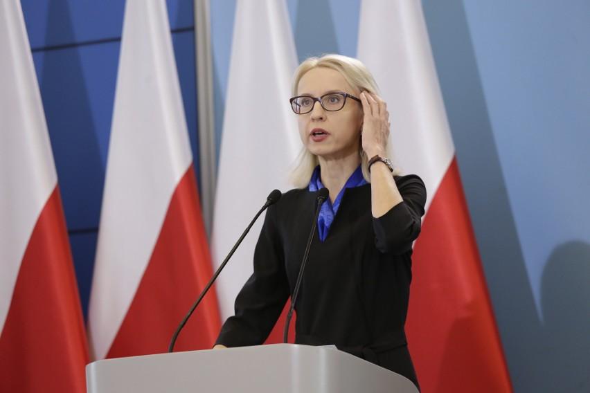 - Podatnicy którzy skorzystają z elektronicznej formy rozliczenia podatku szybciej otrzymają zwrot nadpłaty podatku – w ciągu maksymalnie 45 dni, zamiast 3 miesięcy – dodała minister Czerwińska.
