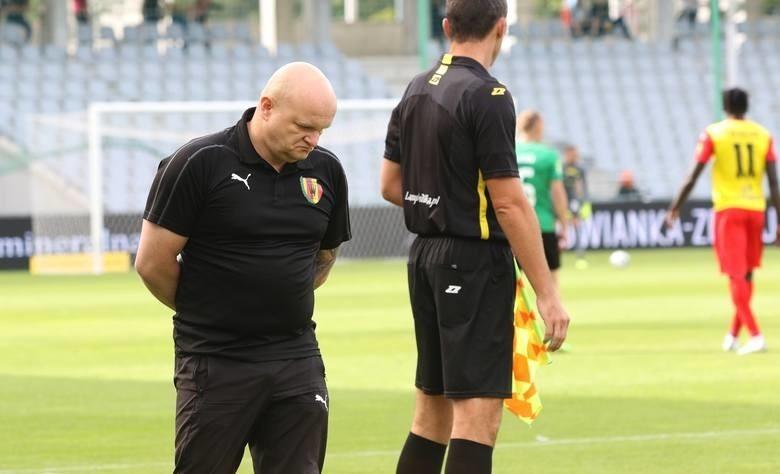 Trener Korony Maciej Bartoszek przeprosił kibiców za słaba grę swojej drużyny.