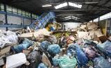 Stacja przeładunkowa i składowanie odpadów w środku mieleckiej strefy? Obok pracują tysiące ludzi, boją się odoru, gryzoni i pożaru