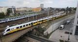 Wakacyjny rozkład jazdy Kolei Dolnośląskich: pociągi za granicę, remonty i komunikacja zastępcza