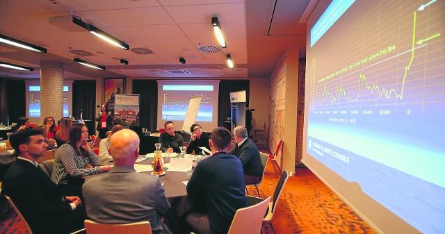Głównym tematem spotkania były warsztaty symulacji negocjacji w kwestiach klimatycznych. Dojdzie do takich negocjacji podczas Szczytu w Katowicach