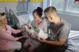 Paulina z Zawiercia w ciąży miała udar mózgu. Kilka dni temu urodziła córeczkę. Obie wrócą do domu. Ta historia chwyta za serce