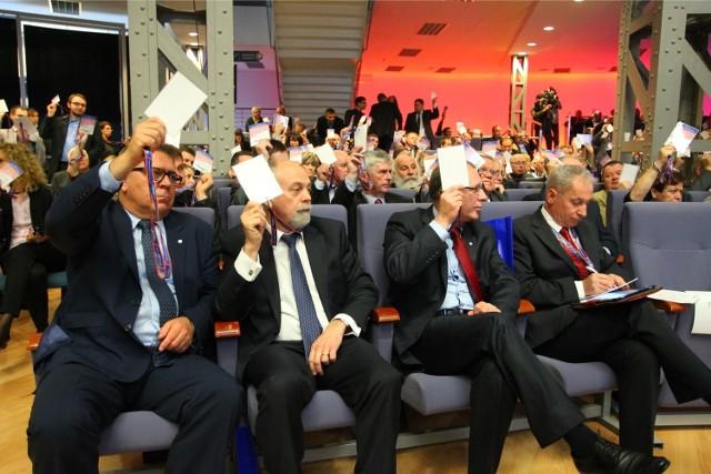 Starosta Jan Grabowski (po lewej) był typowany na kandydata na senatora. Ostatecznie jednak nie zdecydował się na start. O mandat będzie ubiegał się za to wojewoda Piotr Florek (drugi od lewej).