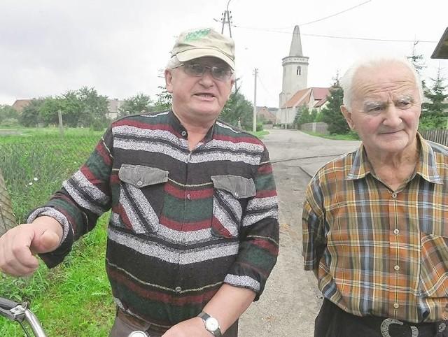 - Tam, gdzie kopią, tam mogą być kłopoty. Ale widać, że ekipa stara się, by tych kłopotów było jak najmniej - przekonują Władysław Dziewęcki i Stanisław Łukasiewicz.