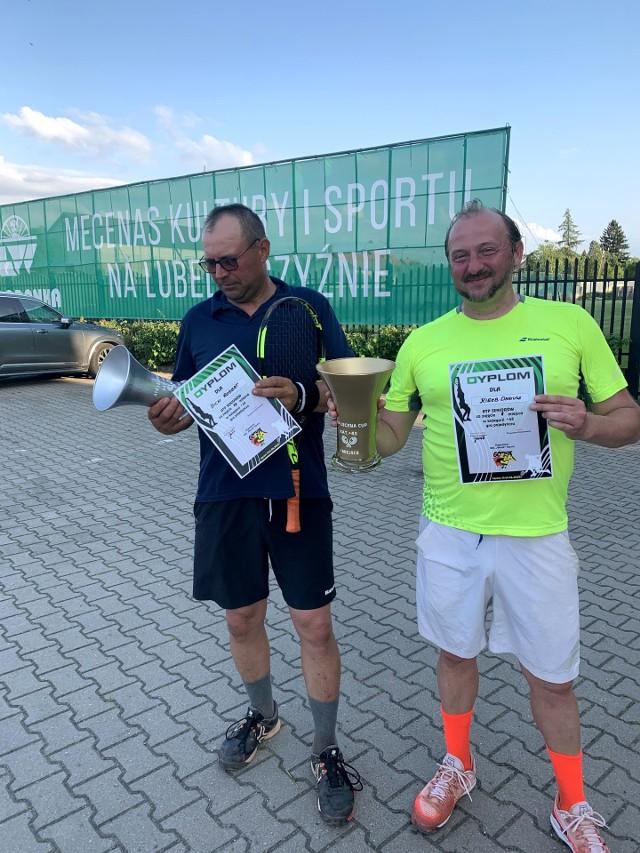 Z prawej Dariusz Kiełb, który wspiera syna Dawida w turniejach tenisowych, ale sam także na nich wygrywa