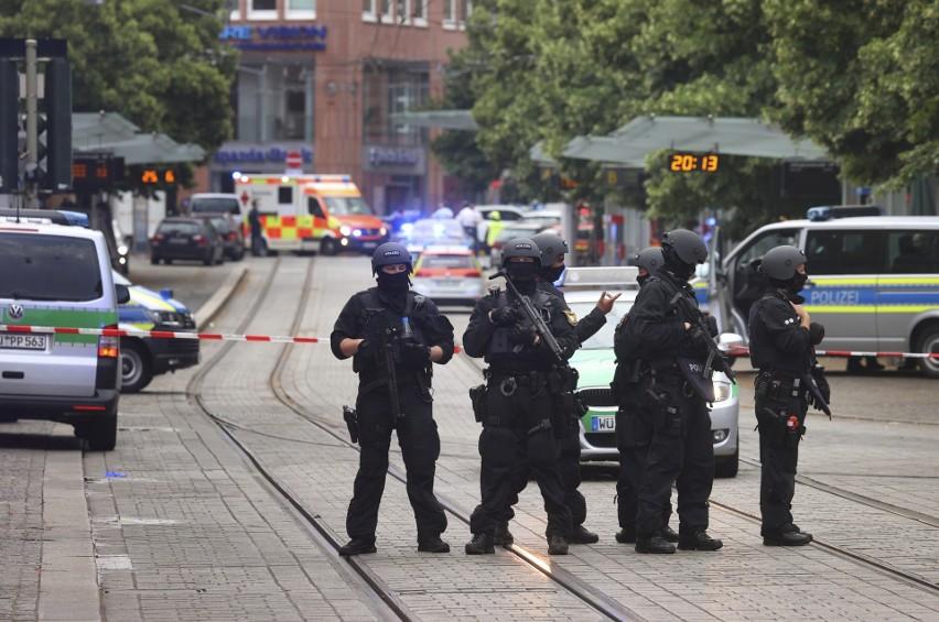 Niemcy. Atak nożownika w Würzburgu. 24-letni Somalijczyk...