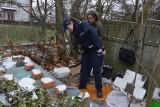 Altanki, ziemianki, piwnice w Brzegu - nawet mróz nie odstrasza bezdomnych przed takimi miejscami