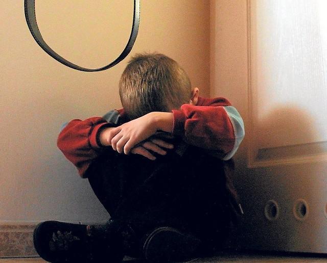Każdego roku w całej Polsce tysiące dzieci doświadcza przemocy i innych form krzywdzenia