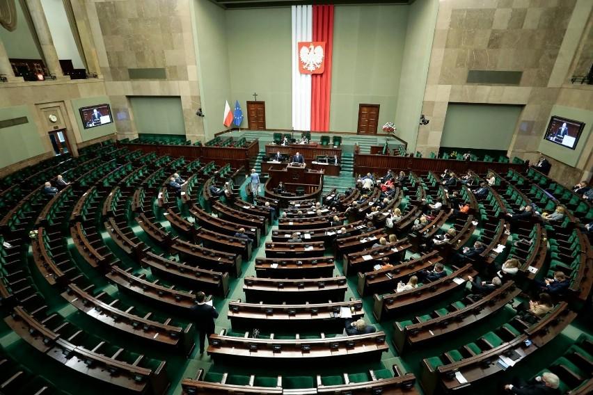 Będzie niejawne posiedzenie Sejmu ws. cyberataków. Premier...