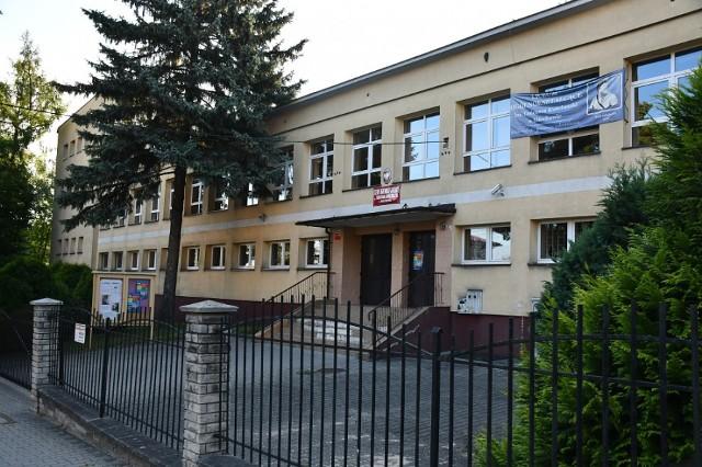 Z egzaminem maturalnym najlepiej poradzili sobie uczniowie LO w Miechowie.