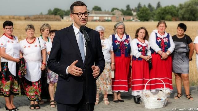 Mateusz Morawiecki w gospodarstwie rolnym