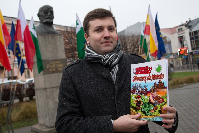 """Dzięki tłumaczeniu Przemysława Wierzbowskiego komiks """"Kajko i Kokosz"""" będą mogli przeczytać esperantyści na całym świecie"""