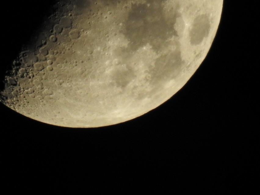 Najdłuższe od 100 lat zaćmienie księżyca miało miejsce 27...