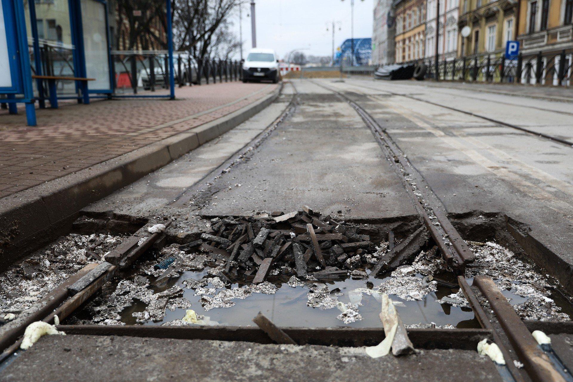Krakow Skrzyzowanie Pod Korona Rozkopane Wielkie Utrudnienia W