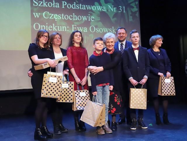 Gala Konkursów Kwiaty Dla Babci I Dziadka Oraz Wiersz O