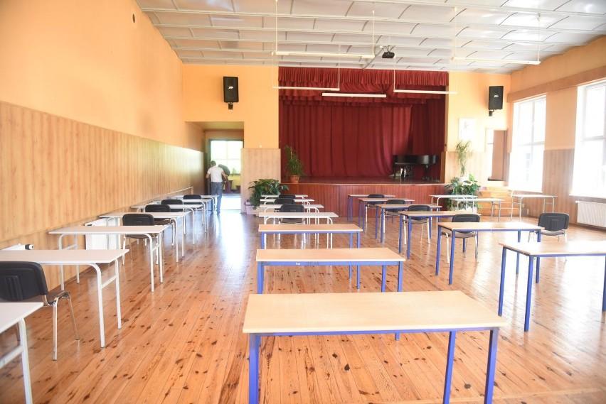 Uczniowie wracają do szkół 1 września 2020: Zobacz TOP10 zasad dla uczniów, by uchronić się przed zakażeniem koronawirusem