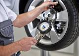 Co jest lepsze? Koło zapasowe, dojazdowe koło zapasowe, a może zestaw naprawczy?