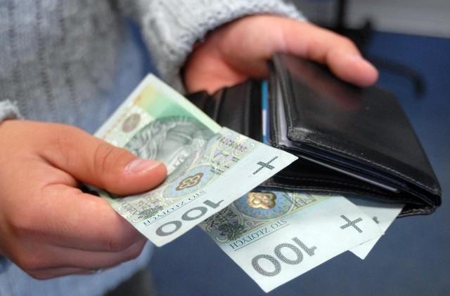 Płace na Podkarpaciu niemal najniższe w PolscePrzeciętna płaca na Podkarpaciu przekroczyła 3200 zł.