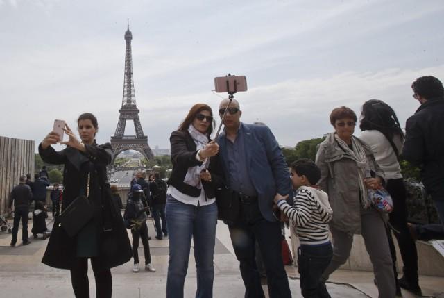 Turyści w Paryżu