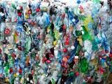 Rząd przymierza się do wprowadzenia kaucji za plastikową butelkę i metalową puszkę na napoje