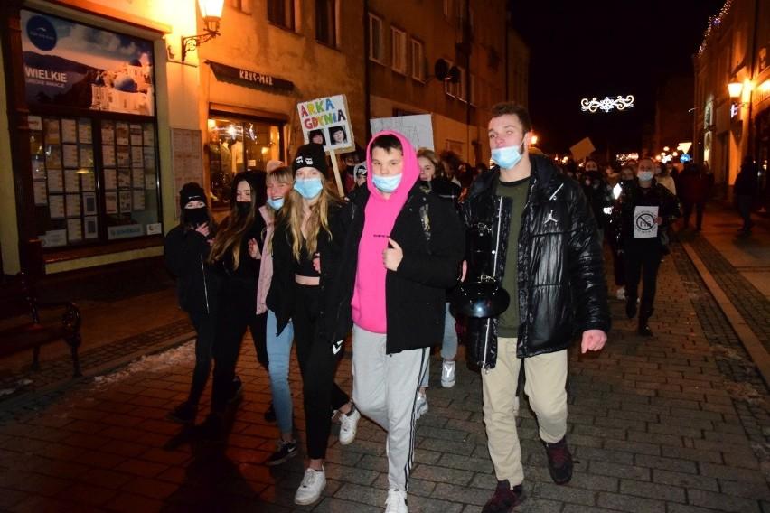 Strajk Kobiet w Inowrocławiu 2021. Protest na inowrocławskim Rynku. Zobaczcie zdjęcia