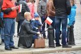 Obchody stulecia odzyskania niepodległości przez Polskę w Opolu. Wielu mieszkańców na placu Wolności