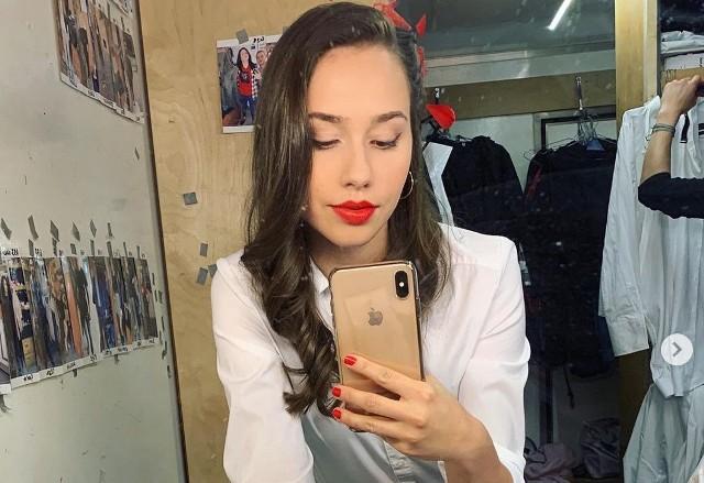 Marcelina Ziętek zachwyca swoją urodą i sukcesywnie podgrzewa atmosferę wokół swojej osobie na Instagramie. Zobacz zdjęcia