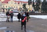 Rocznica wyzwolenia Włocławka - przedstawiciele lewicy złożyli kwiaty pod pomnikiem [zdjęcia]