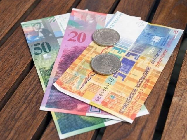 Blisko 700 tysięcy osób posiada kredyt hipoteczny w szwajcarskiej walucie.