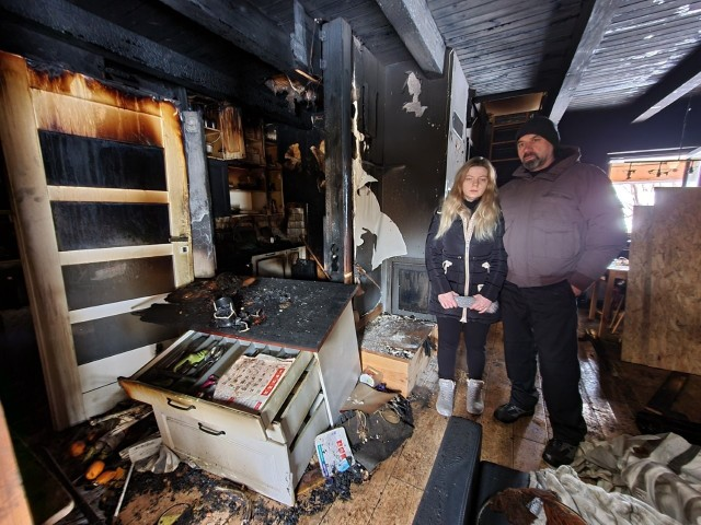 Dom spłonął 18 stycznia nad ranem. Rodzina Woźniaków straciła w pożarze cały dobytek,