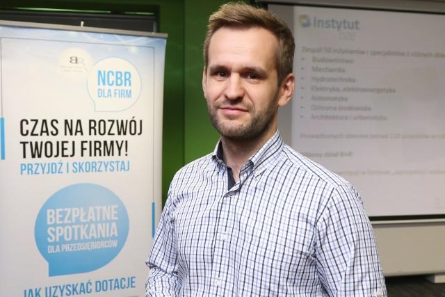 Łukasz Kalina z Instytutu OZE w Kielcach.